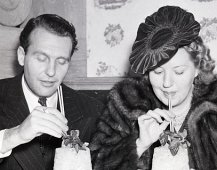 Ralph Bellamy drinking Mint Juleps with his wife Catherine Willard (1939)