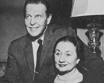 Ralph Bellamy with his (4th) wife Alice Murphy, whom he met when she was his agent's assistant. (1952)