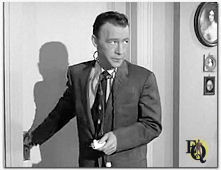"Culver als Dr. Bill Hawley in Perry Mason's ""Case of The Crimson Kiss"" (1957)."