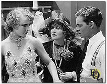 "Quillan (rechts) met Carole Lombard (links) in ""Show Folks"" (1928)."