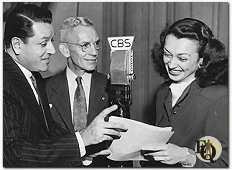 Warren Hull, Parks Johnson (When the Vox Poppers were armchair detectives) and Charlotte Keane before the CBS mike, (August 21 1946)