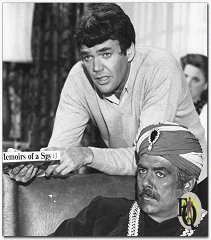 Jim Hutton (standing) and Pernell Roberts in Ellery Queen's 'The Adventure of Colonel Niven's Memoirs'
