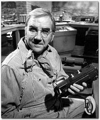 "In tv drama debut -- Ed McMahon, of NBC-TV's ""The Tonight Show Starring Johnny Carson,"" plays a toy trainer enthusiast in his TV drama debut as ""The Eccentric Engineer"" on the NBC Television Network's ""Ellery Queen"" colorcast Sunday, Jan. 18 (8-9 p.m. NYT). (1/9/76)"